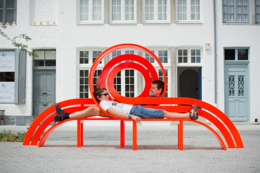 'Modified Social Bench' van Jeppe Hein